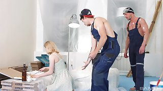 Dirty girlfriend Via Lasciva fucked by two construction workers